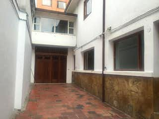 Casa en venta en Marly de 8 hab. con Jardín...