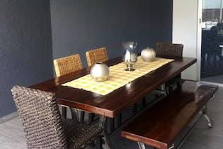 Casa en venta en Lomas de las Águilas, 300 m² con jardín