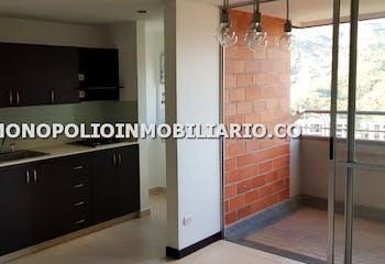 Apartamento en Ditaires, Itagui - 80 mt, tres alcobas, dos parqueaderos