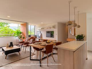 Una sala de estar llena de muebles y una mesa en Niza