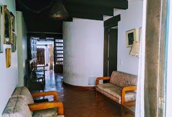 Casa en Caobos Salazar, Cedritos con cuatro parqueaderos