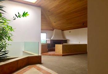 Casa en venta en Bosque de las Lomas, 500 m² con jardín y terraza