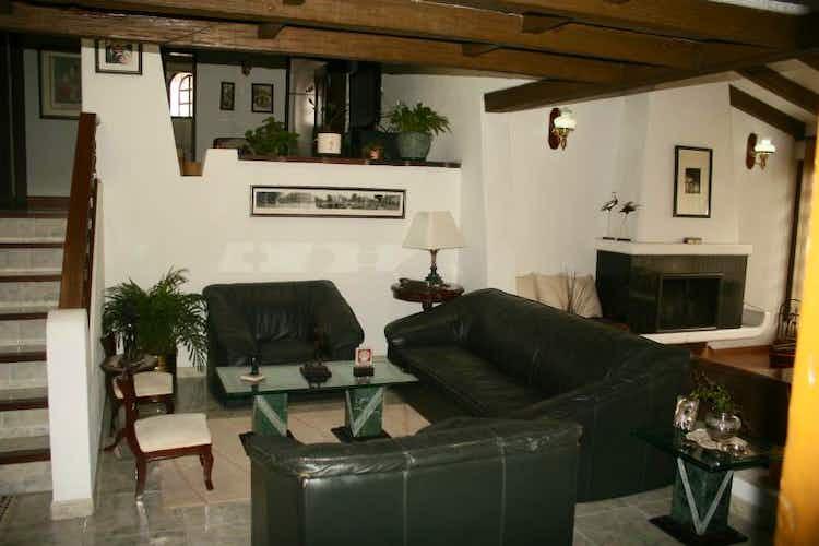Portada Casa en Cerros De Niza, Engativa - Cuatro alcobas