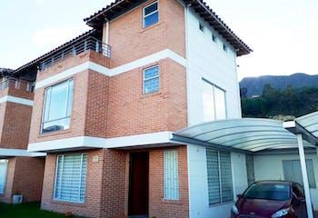Casa en venta en Cota Centro con Jardín...