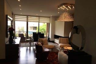 Apartamento en Chico Reservado, con balcón, 135.57 mts, 2 parqueaderos.