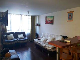 Una sala de estar llena de muebles y una ventana en Casa en Garces Navas, Engativa