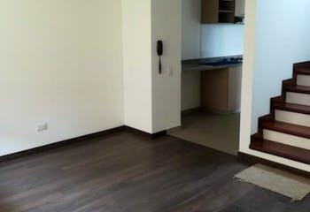 Casa En Cota - 138.87 mts, 2 parqueaderos, 2 habitaciones.