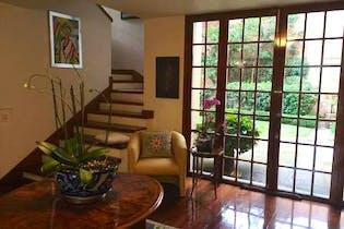 Casa en venta en Tlacopac 981m2 con Alberca