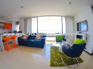 Una sala de estar llena de muebles y una televisión de pantalla plana en PANORAMIKA COUNTRY 801