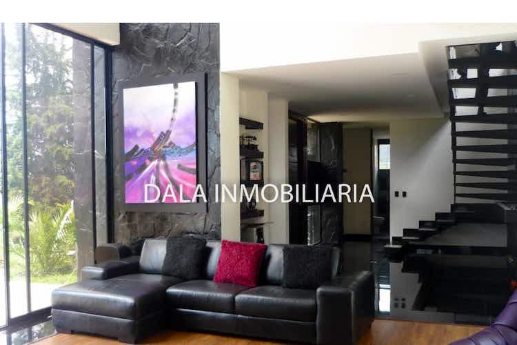 Portada Casa en Chía, Cundinamarca con 2 niveles y 4 habitaciones.