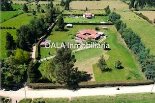 Casa Lote en Tenjo, Cundinamarca con 5 habitaciones.