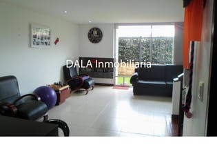 Casa en Chía, Cundinamarca con 3 niveles y 4 habitaciones.