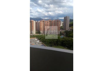 Apartamento en  Loma de los Bernal - 3 habitaciones