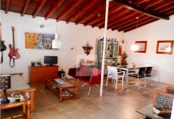 Casa en venta Envigado, La Magnolia con 3 habitaciones.