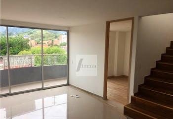 Apartamento Duplex en La Almeria, Medellin - Cuatro alcobas
