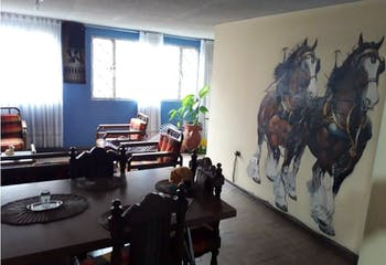 Casa de 250m2 en Antonia Santos, Bogotá - de tres niveles