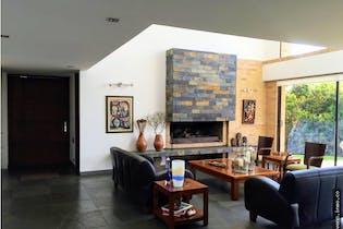 Casa en venta en Yerbabuena de 4 hab. con Bbq...