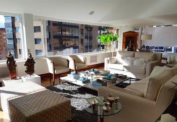 Apartamento en El Refugio, Rosales con terraza y cuatro alcobas