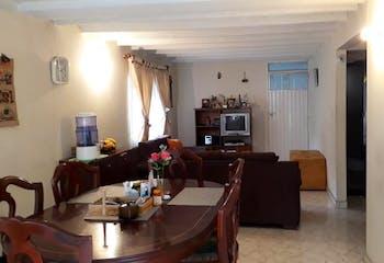 Casa en Fontibón, La Cabaña con 2 niveles y 4 habitaciones.