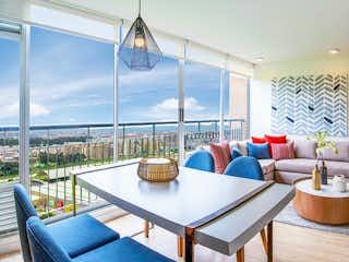 Una sala de estar llena de muebles y una mesa en Boreal II
