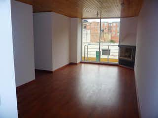 Una vista de una sala de estar y una sala de estar en Apartamento en Britalia, Suba duplex con tres alcobas y balcón