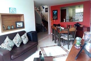 Casa En Teusaquillo, San Luis con 5 habitaciones.