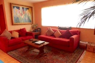 Casa en Venta Las Aguilas 1a Sección, 450 m2 con jardín