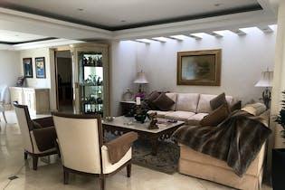 Casa en venta en Bosque de las Lomas, 900 m² 5 niveles