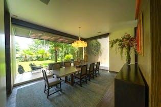Casa en venta en Bosque de las Lomas, 705 m² con alberca