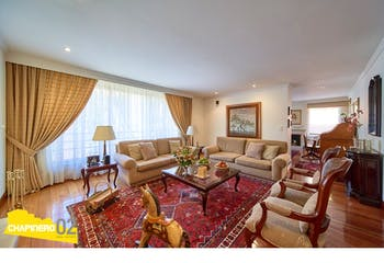 Apartamento, Rosales de 256 m2 con chimenea