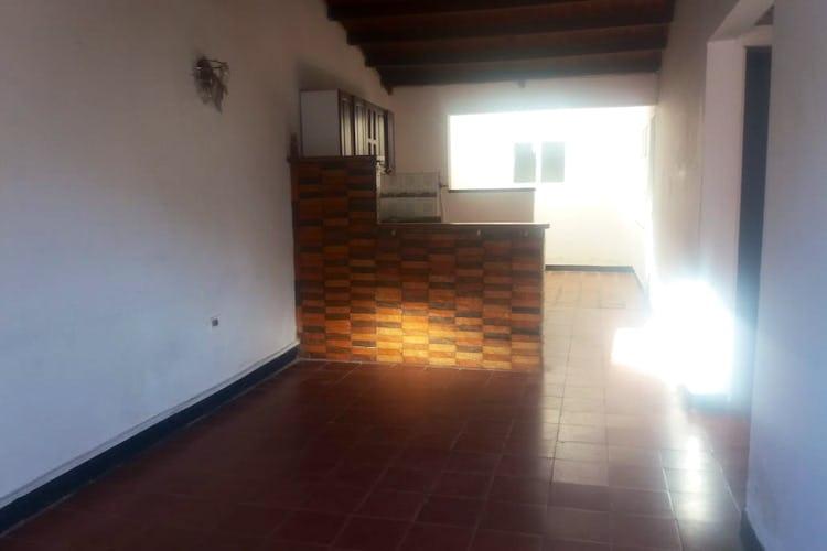 Portada Casa en La Ceja, Maderos con 3 habitaciones.