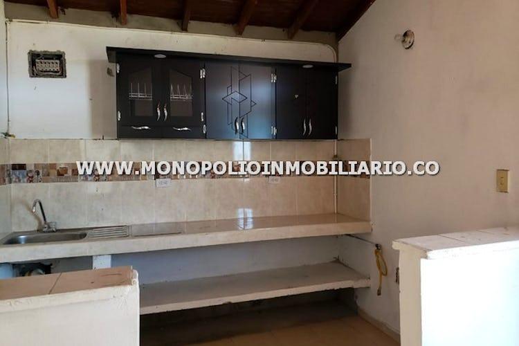 Portada CASA BIFAMILIAR EN VENTA - SECTOR PAN DE AZUCAR, SABANETA COD: 16253