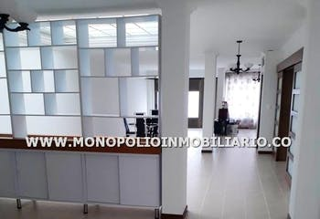 Casa Bifamiliar en Calasanz, Medellin - Tres alcobas