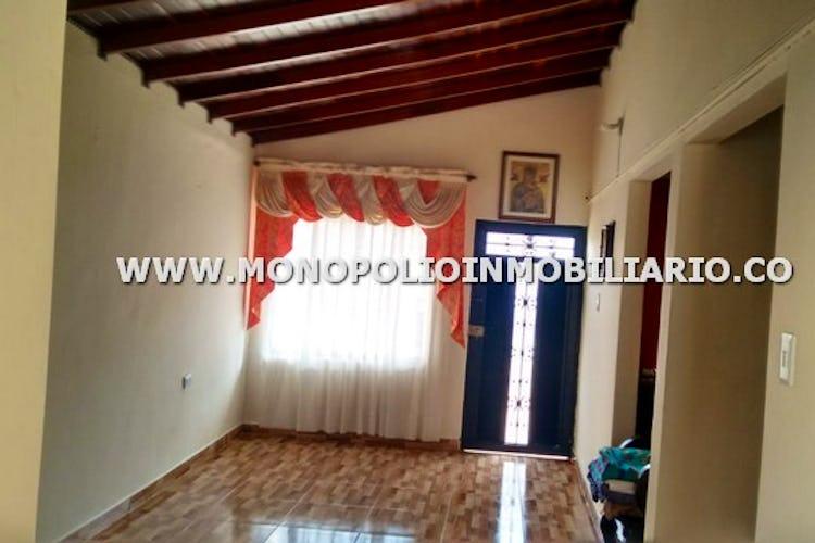 Portada Casa bifamiliar en venta sector san antonio de prado - 85 mts, 3 habitaciones, 1 baño.