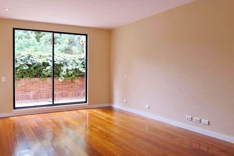 Portada Casa en Santa Barbara Central, con 3 niveles y terraza - 240 mt2.