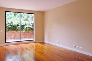 Casa en Santa Barbara Central, con 3 niveles y terraza - 240 mt2.