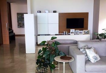 Lujoso Apartamento en San Lucas - Poblado, Laforet , cuenta con tres parqueaderos