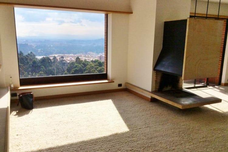 Portada Apartamento en Cedritos, con 4 habitaciones, piso 5 - 240 mt2.