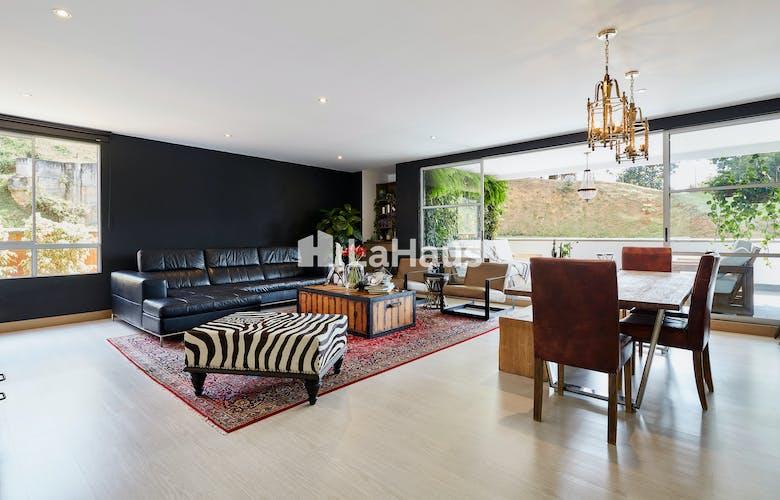 Portada Espectacular Apartamento en El Tesoro, Ed Massai, cuenta con 3 habitaciones