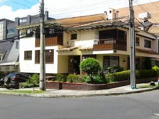 Casa En Venta En Bogotá Chico Reservado