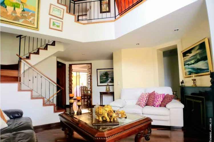 Portada Casa en venta en Gratamira, Con 3 Habitaciones-220mt2