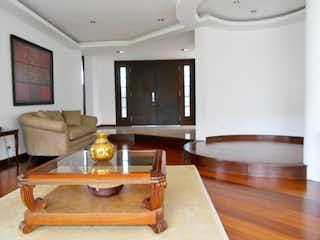 Una sala de estar llena de muebles y una mesa en Conjunto Casa Blanca