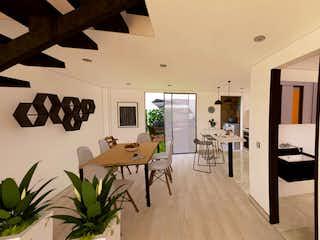 Una habitación llena de un montón de muebles de madera en Canelon Hills