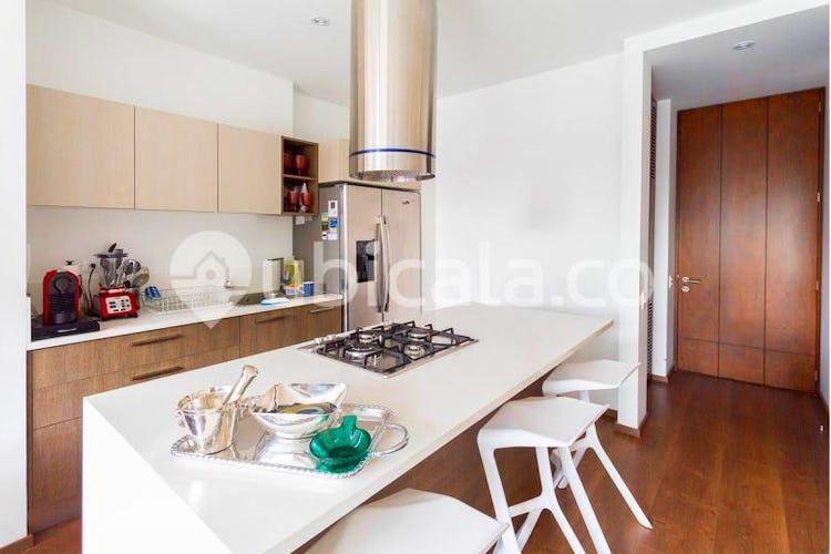 Portada Apartamento en venta en Chicó Reservado, de 65mtrs2, con balcón