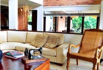 Casa en las palmas , Medellín - 480 mts, 4 parqueaderos, 3 habitaciones.