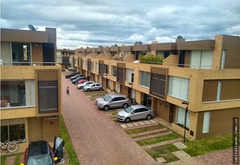 Casa en Canelon, Cajica - 130mt, tres niveles, terraza, tres alcobas