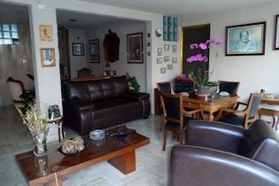 Casa en venta en San Angel, 1,200 m² en tres niveles