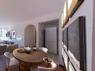 Una sala de estar llena de muebles y una televisión de pantalla plana en Ciudad Jardin Norte Hermoso Apartamento Remodelado