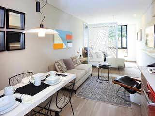Una sala de estar llena de muebles y una ventana en View 63