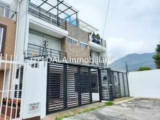 Casa en venta en Casco Urbano Cota de 3 alcoba